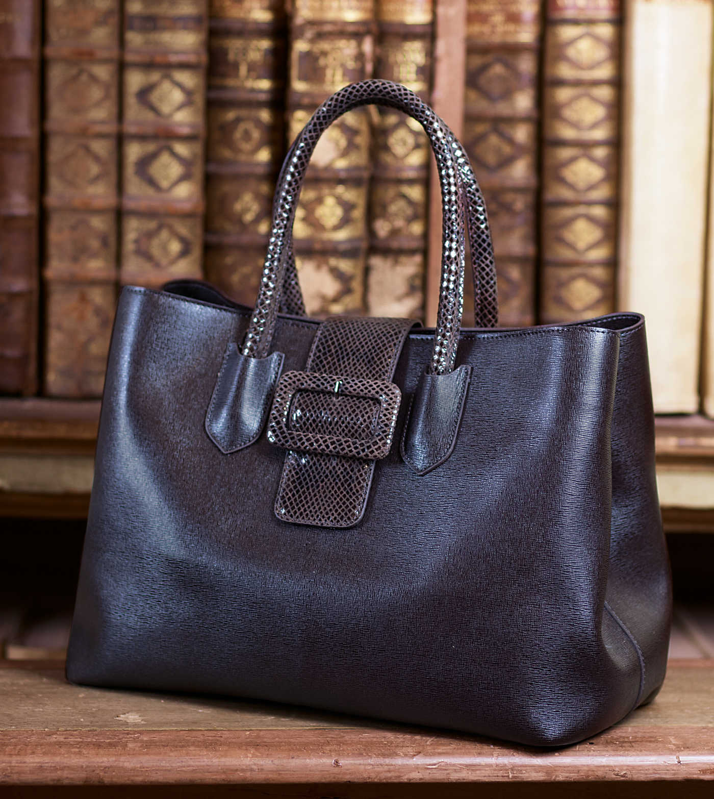 bags-aw1920-00001