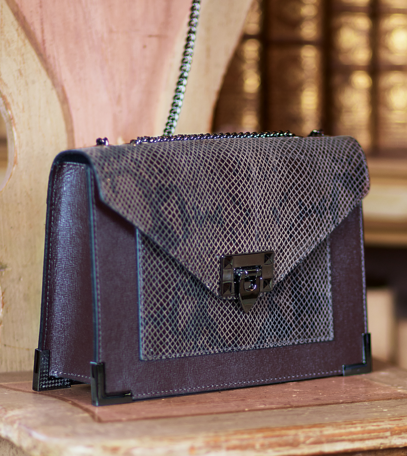 bags-aw1920-00003