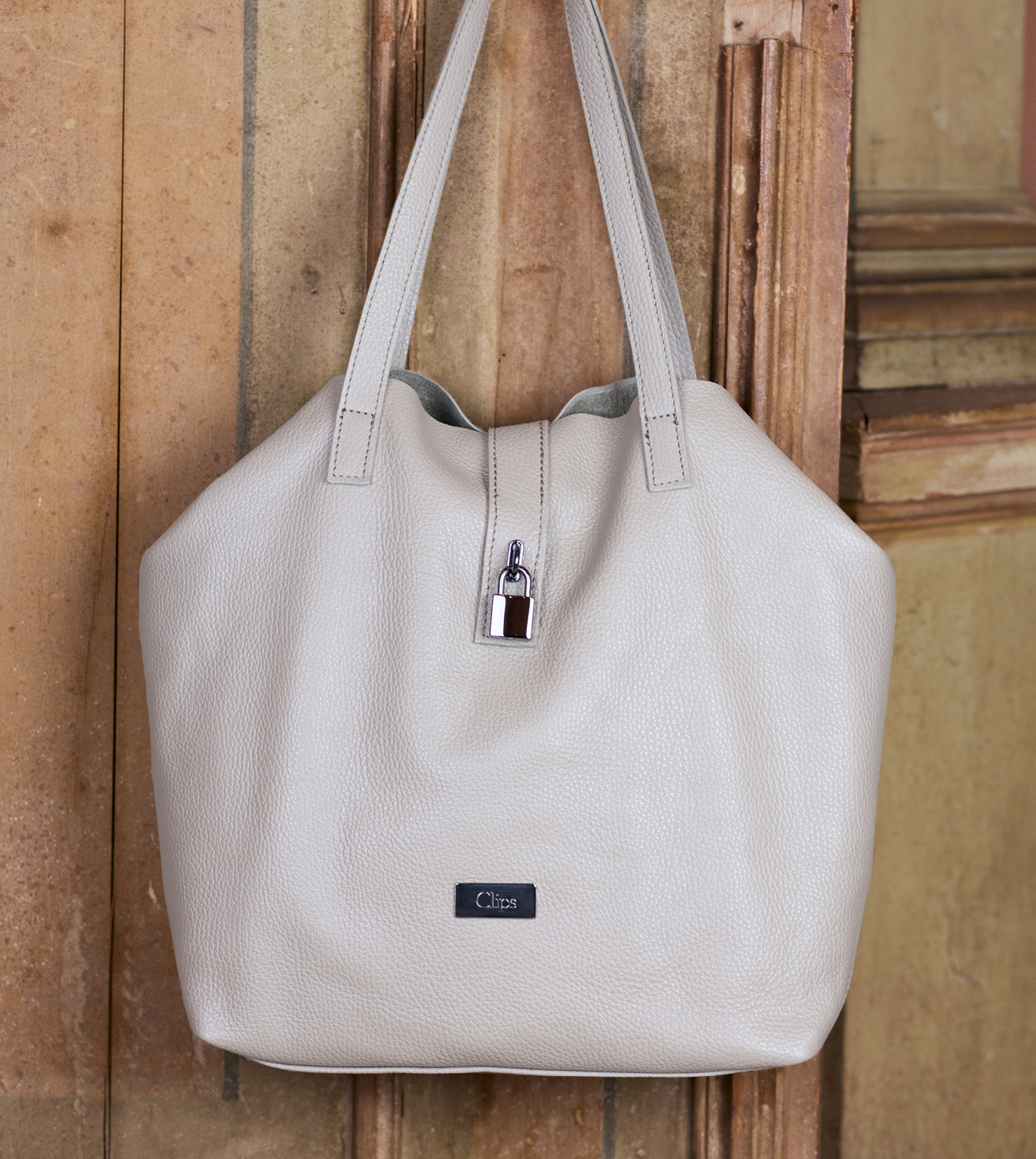 bags-aw1920-00008